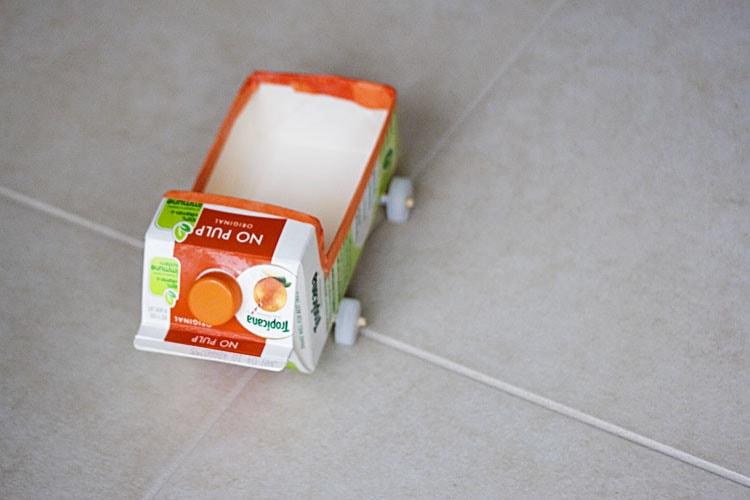 יצירה מקרטון חלב