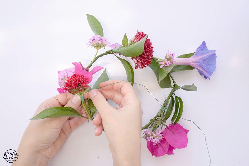 איך להכין זר פרחים