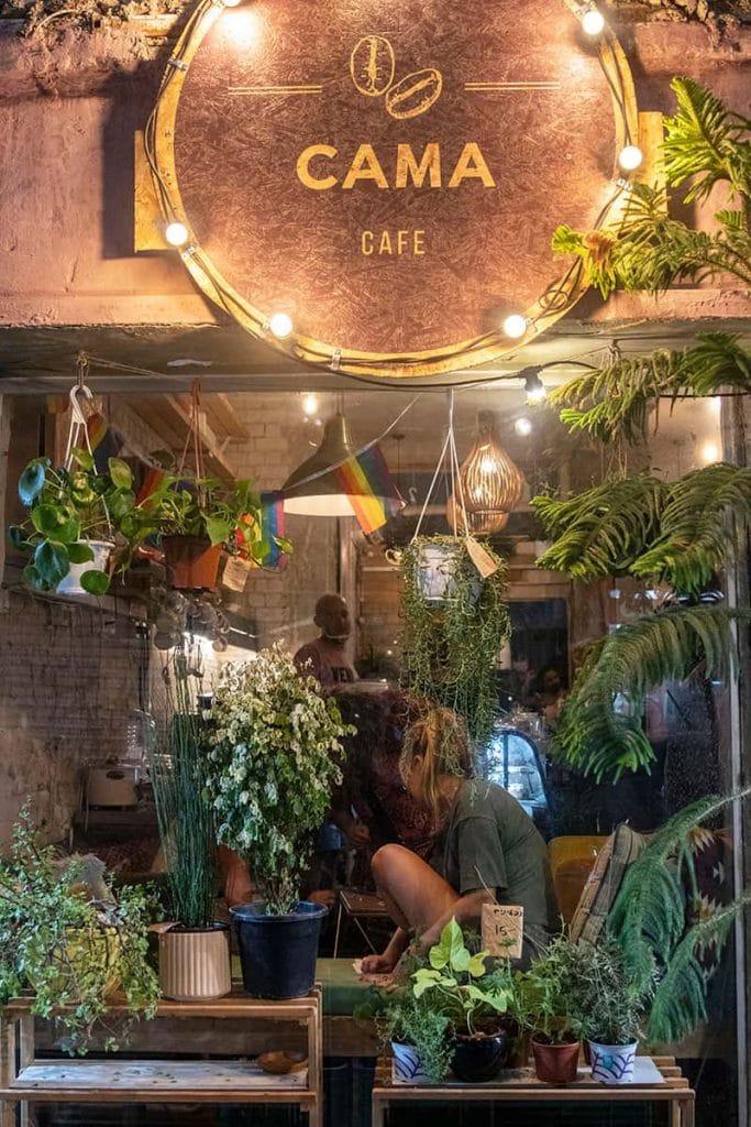 Cama Café